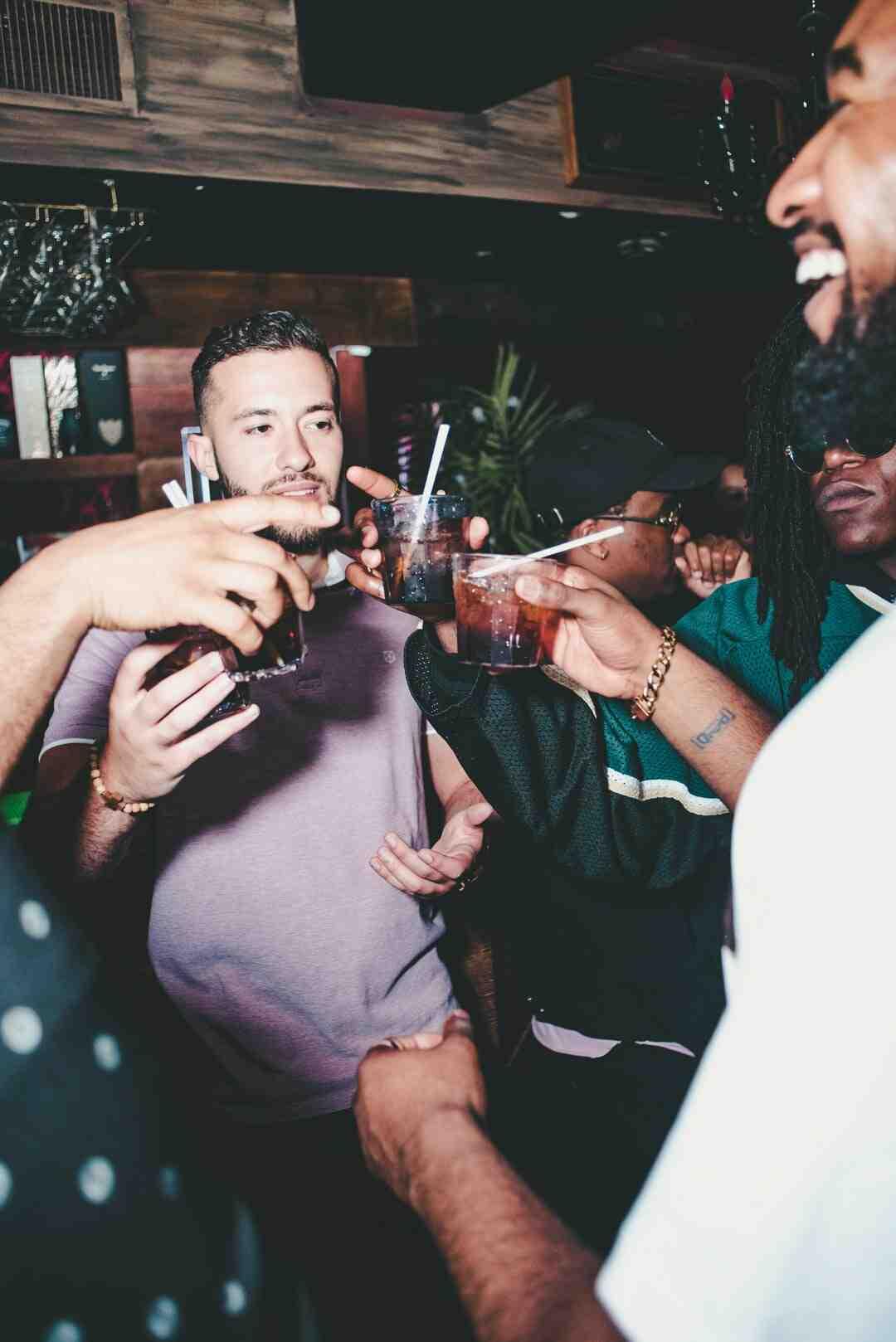 Comment rester mince tout en buvant de l'alcool